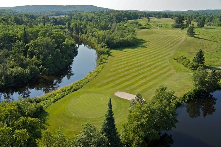 Almaguin Highlands Golf and Country Club