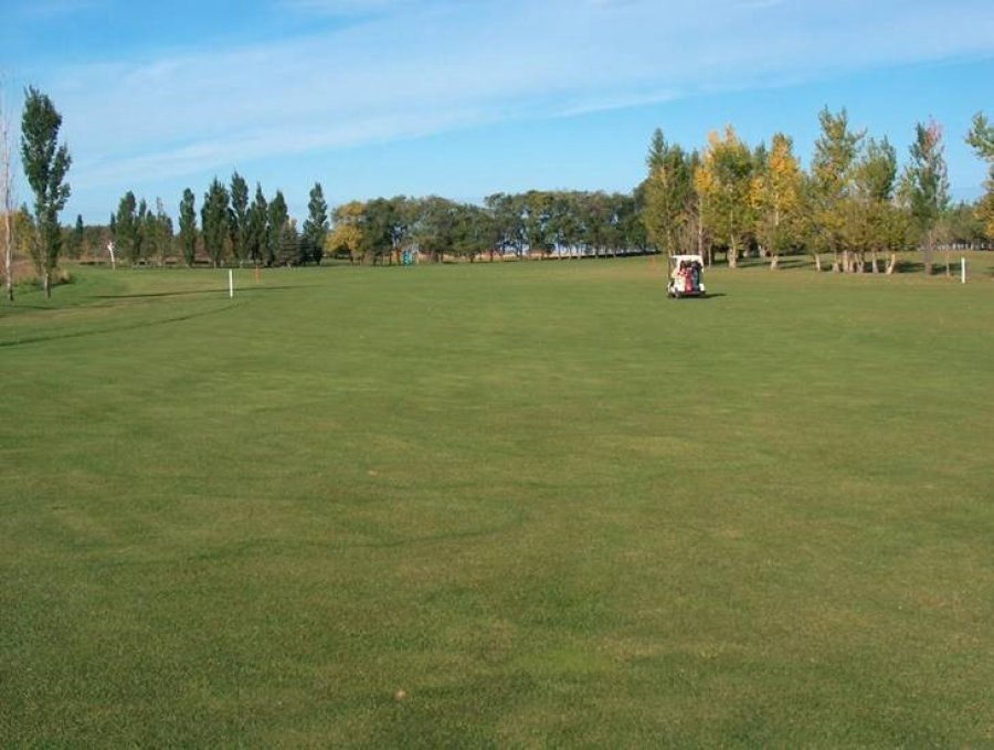 Deer Ridge Golf Course & Driving Range